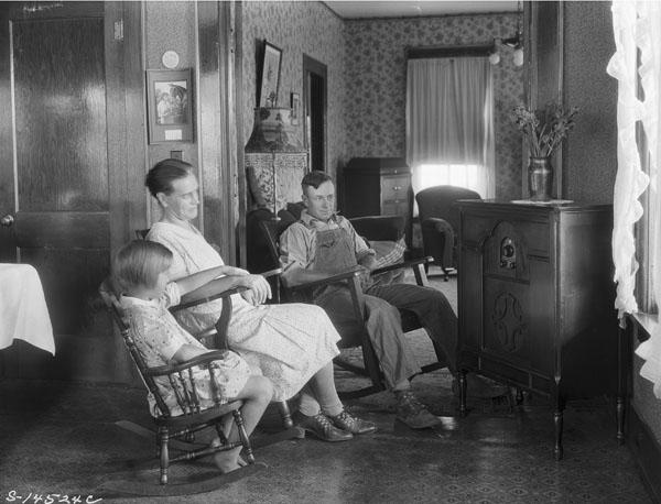 Family listens to radio